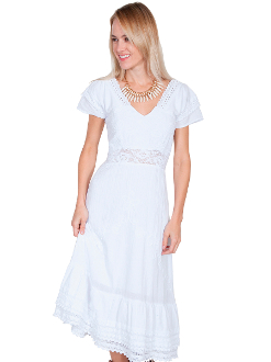 This Scully Womens White Maxi Western Dress is 100% peruvian cotton with double cap sleeves. It features a v-neck with crochet edging and front lace waisted. This is a true western beauty for any cowgirl.