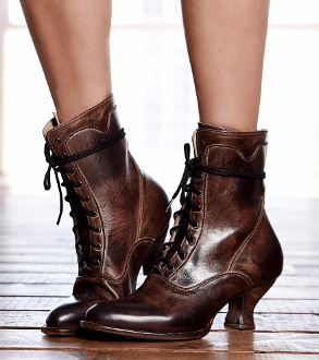 Transport yourself back to a time of grandeur and elegance in the Elizabeth Teak Leather Womens Granny Boots. A timeless Victorian boot for women with uncompromising quality great for western or old time weddings.