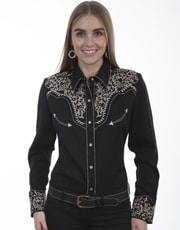This Scully Women's Ivy Embroidered Black Western Shirt is heavily embroidered on the front and back yokes with retro piping and pearl snaps including smiley pockets and a twisted piped vintage look.