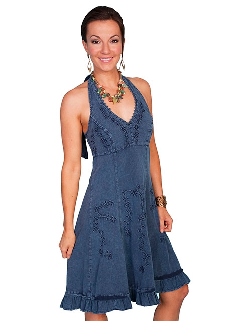 This Scully Womens Peruvian Cotton Western Blue Denim Halter Dress is made of peruvian cotton with a floral vine design in knee length with a tie back for a great cowgirl country western dress