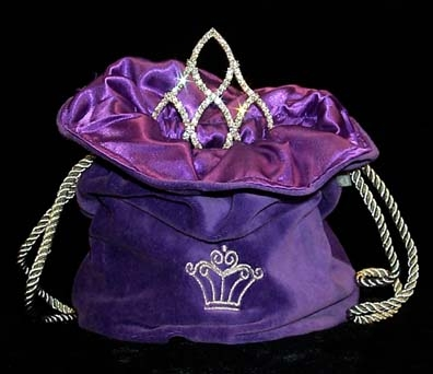 This Cowgirl hat Purple Tiara bag is great for rhinestone hat tiaras and your rodeo crowns for the county fair or any rodeo queen horse show. This hat Tiara bag will keep your rodeo crown tiara clean, also a great winners gift.